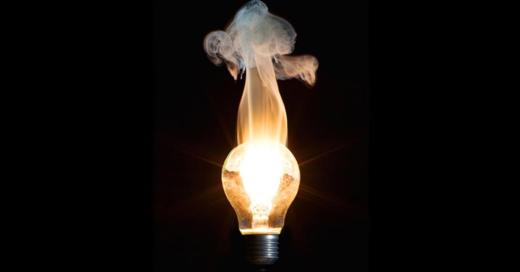 ES_6_burningbulb